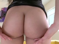 Dani Daniels shakes her ass deliberately