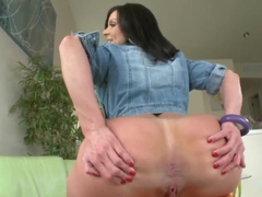 Big ass milf Kendra Lust stretches her shaved twat