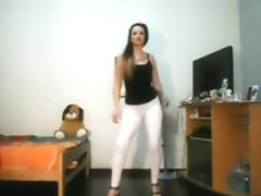 Argentinian hawt angel dancing at home
