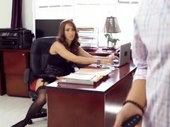 Sexy secretary eva notty multitasks blowing her boss