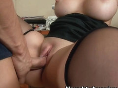 Mandy Sweet & Chris Johnson in Seduced by a Cougar