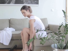 Young Courtesans - Nicole - First courtesan date feels good