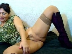 Russian bushy cam mommy