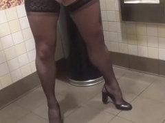 Crossdressing and cumming