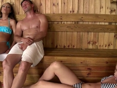 Lina Napoli and Sophie Lynx shares penis in the sauna