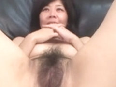 44yr old Yoshimi Yamazaki receives Facialed (Uncensored)