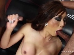Venus Lux Gangbanged And Facialed