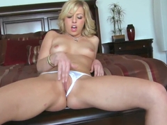 Sexy blonde bitch Zoey Monroe likes to masturbate her shaved pussy