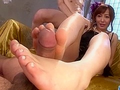 Mami Asakura deals cock in very steamy ways