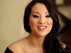 Cute pornstar Asa Akira enjoys a hot Asian lez fun