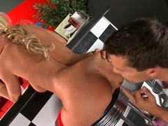 Bootyliscious Bree Olson loves naughty food funs with Ramon