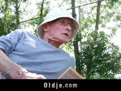 Young girl sucking old dick in a fucking picnic