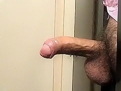 MELBOURNE-- 35 YR OLD HUNG AUSTRALIAN UNCUT COCK